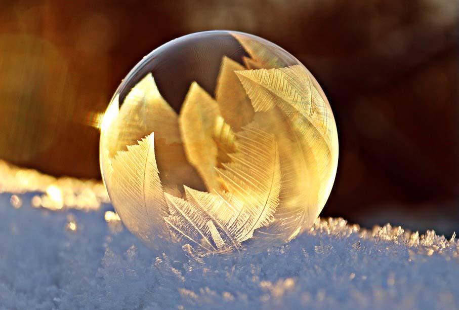 Een zeepbel die bevriest: perfectie binnen perfectie